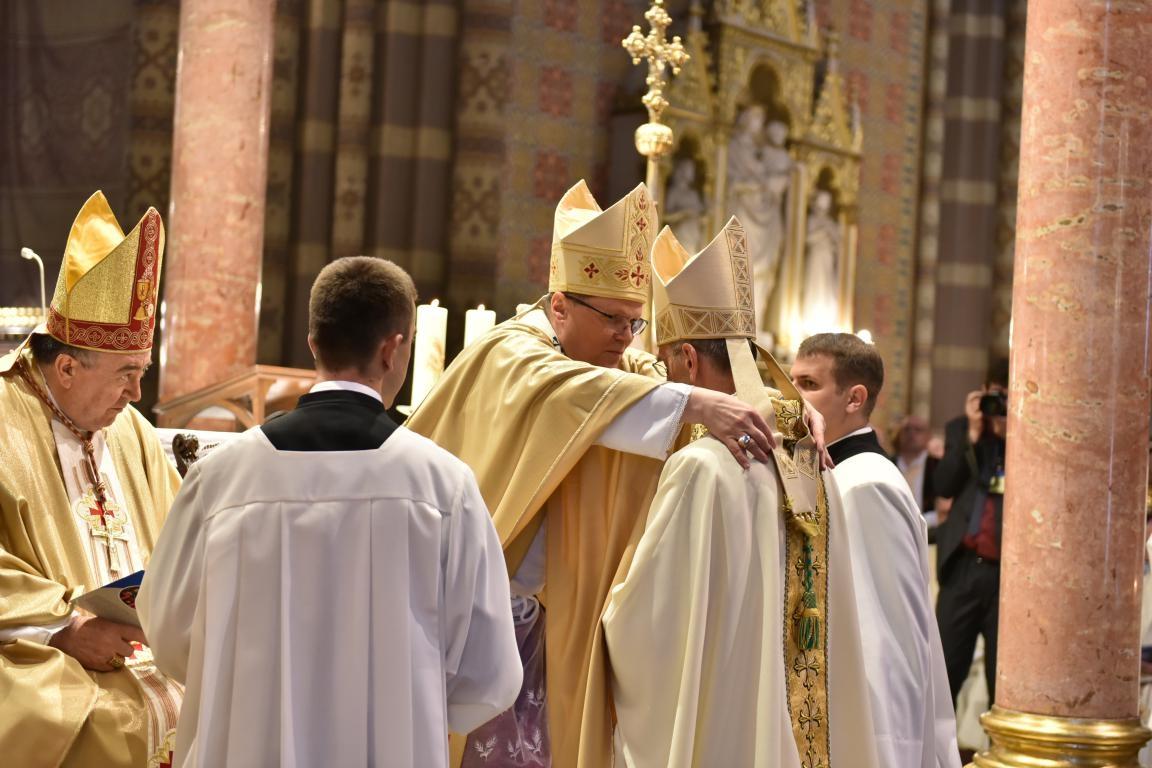 Održano biskupsko ređenje mons. Ivana Ćurića pomoćnog biskupa đakovačko-osječkog