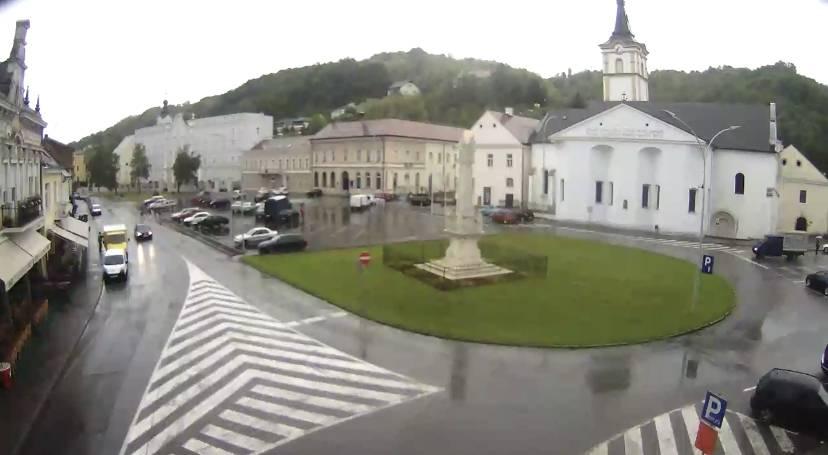 Vrijeme danas oblačno uz povremenu kišu