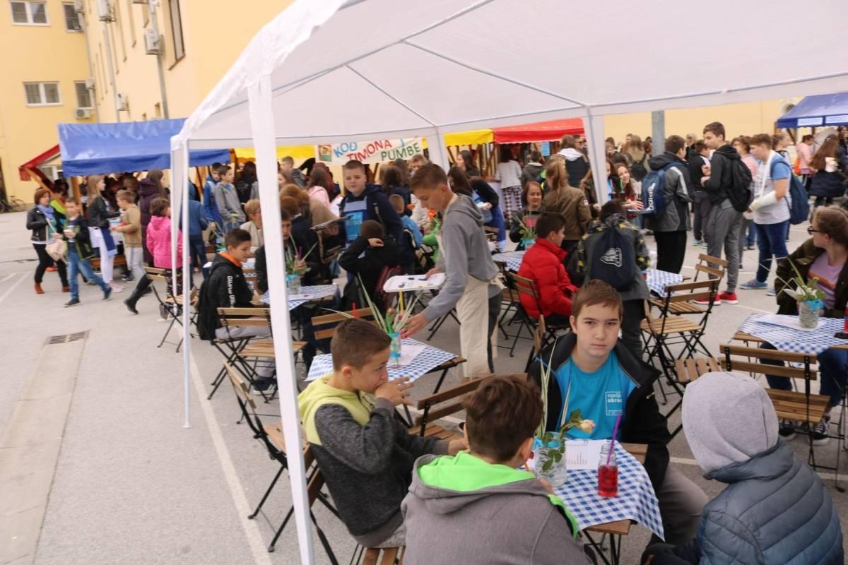 Održan humanitarni sajam OŠ A. Kanižlića povodom projekta ʺMarijini obrociʺ