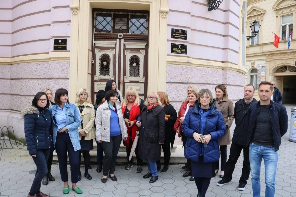 Prosvjed službenika Županijskog suda i Općinskog državnog odvjetništva u Požegi