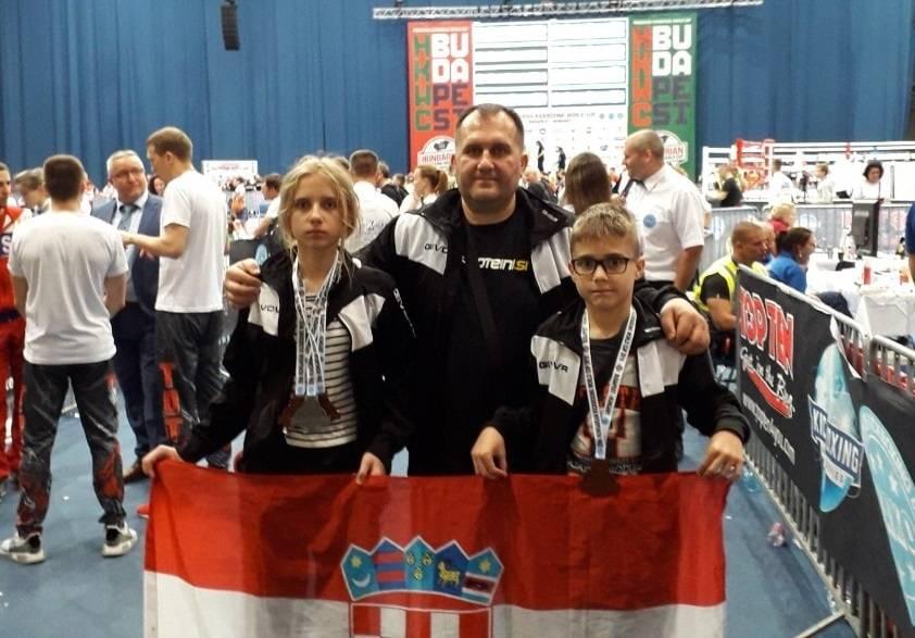 Sestra i brat - Petra i Jan Mikulić ʺgazeʺ sve pred sobom, i svjetske Kickboxing veličine