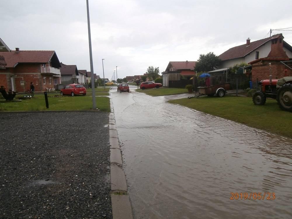 Poplavljena Županjska ulica