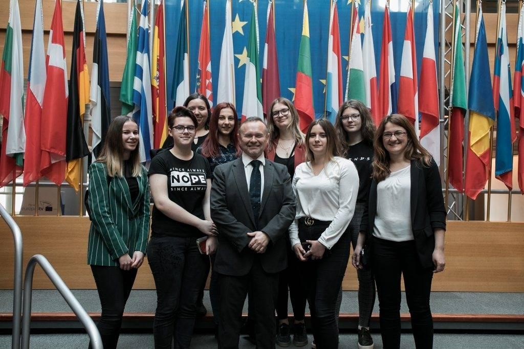 Šest učenica požeške Ekonomske škole na nagradnom putovanju u Strasbourg