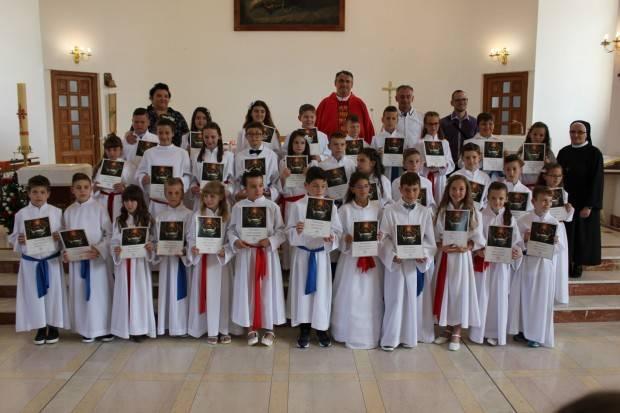 U Lipiku sakrament Prve pričesti primilo 33 prvopričesnika