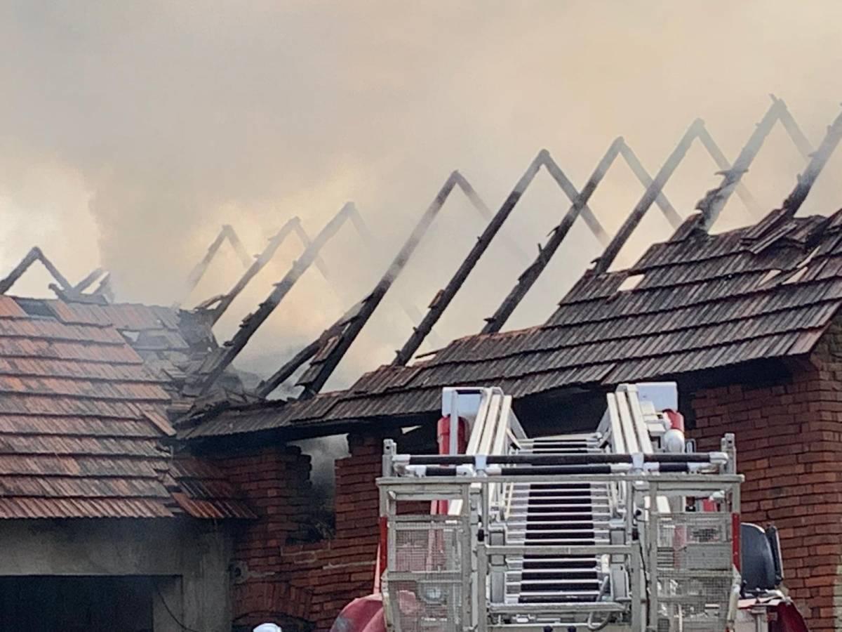 Požar na štaglju u Vetovu: Brzom intervencijom DVD-a spriječena veća materijalna šteta