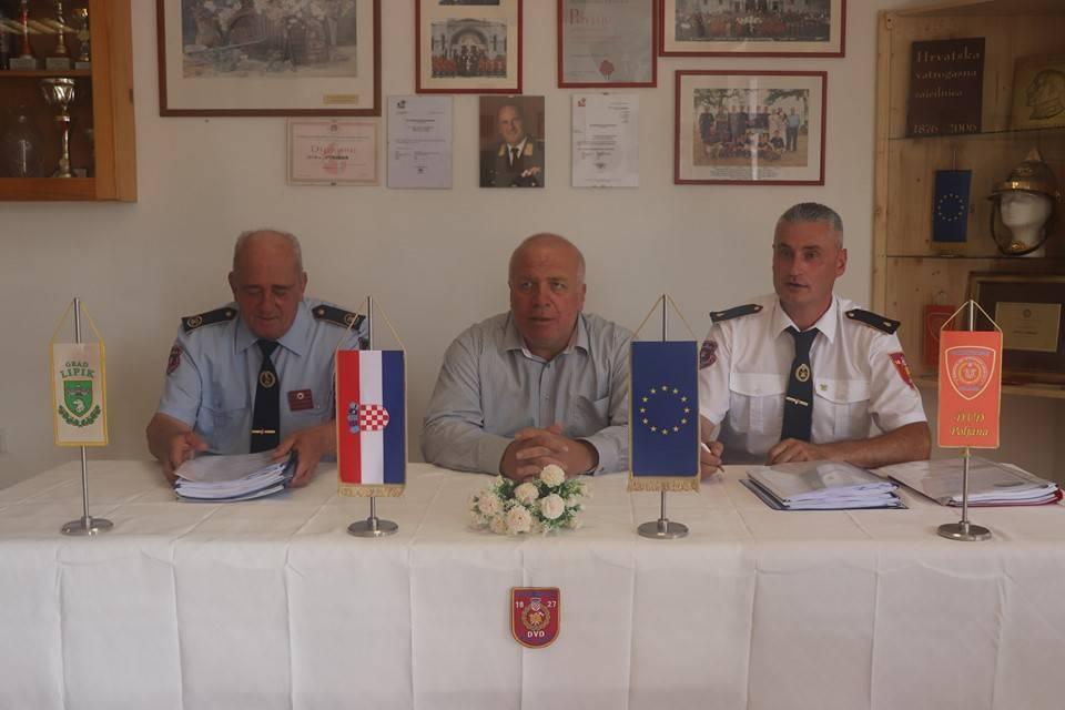 Gradonačelnik Kasana uručio projektnu dokumentaciju u svrhu legalizacije vatrogasnih domova u Poljani i Dobrovcu