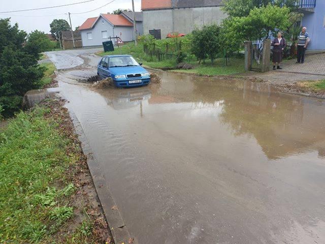 U kratkom roku velika količina kiše poplavila Kutjevo