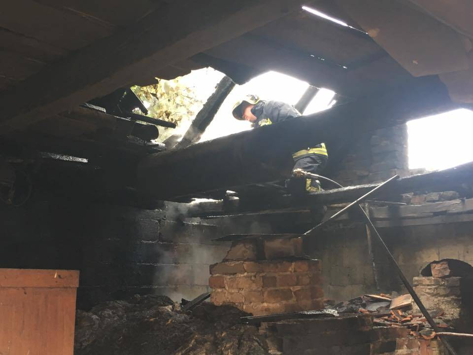 Požar gospodarske zgrade u Šeovcima, brzom intervencijom JVP Grada Požege spriječena veća šteta