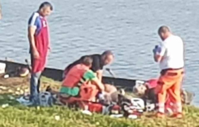 SLAVONSKI BROD - Popravljajući čamac upao u Savu, liječnici se bore za njegov život
