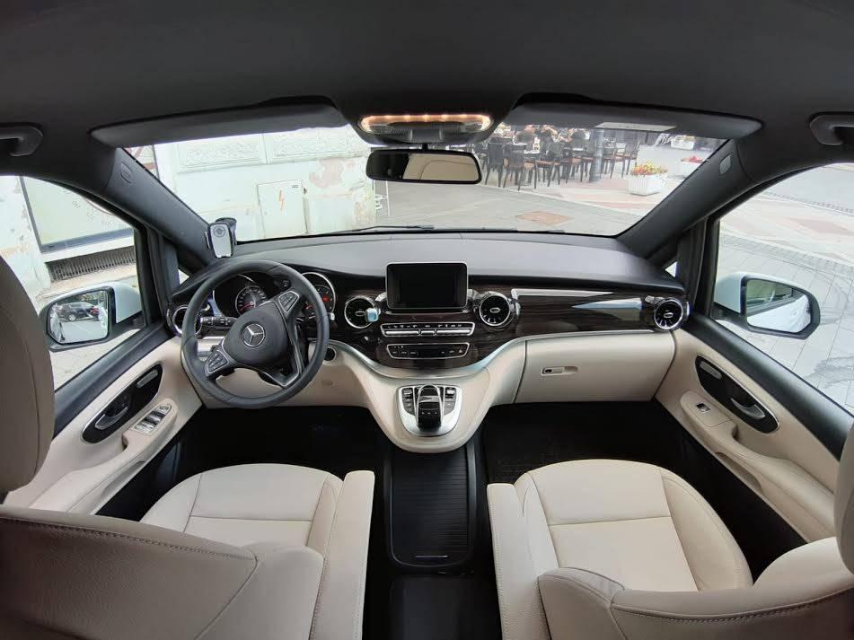 Želite exstra luksuzno vozilo za najam vaših raznih prigoda?