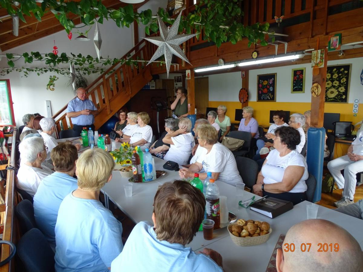 U Lipiku održan Festival starijih osoba