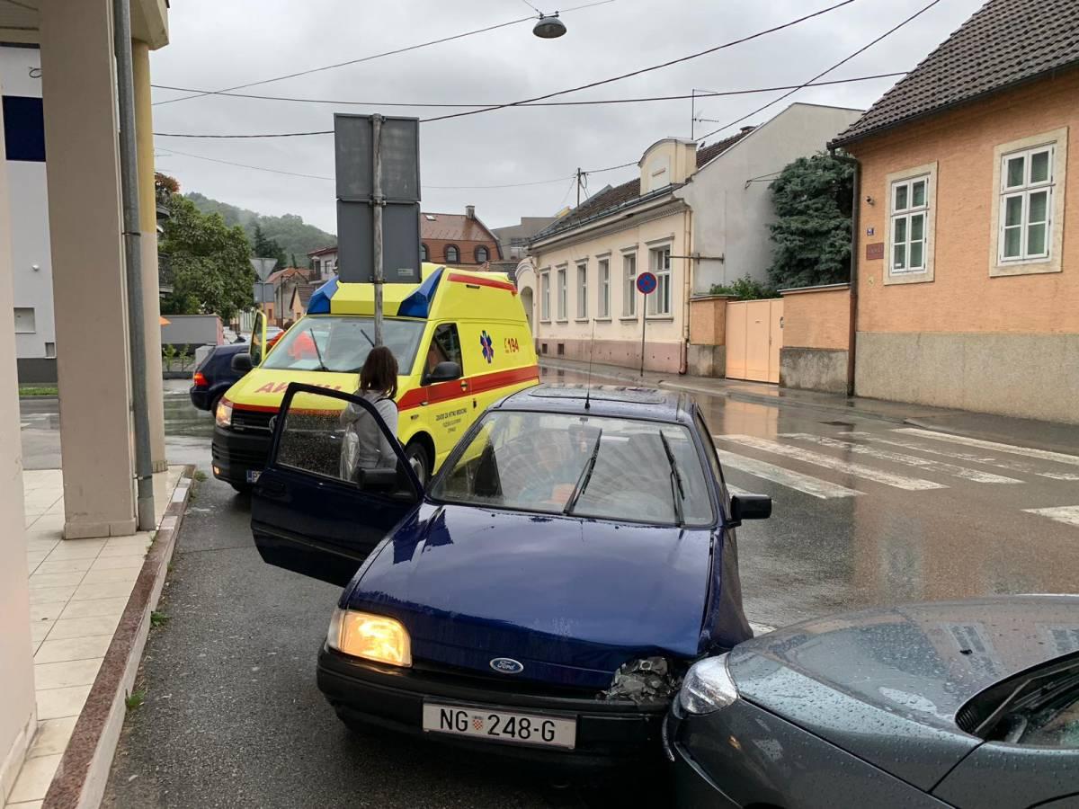 Prometna nesreća jutros u Požegi, jedna osoba lakše ozlijeđena