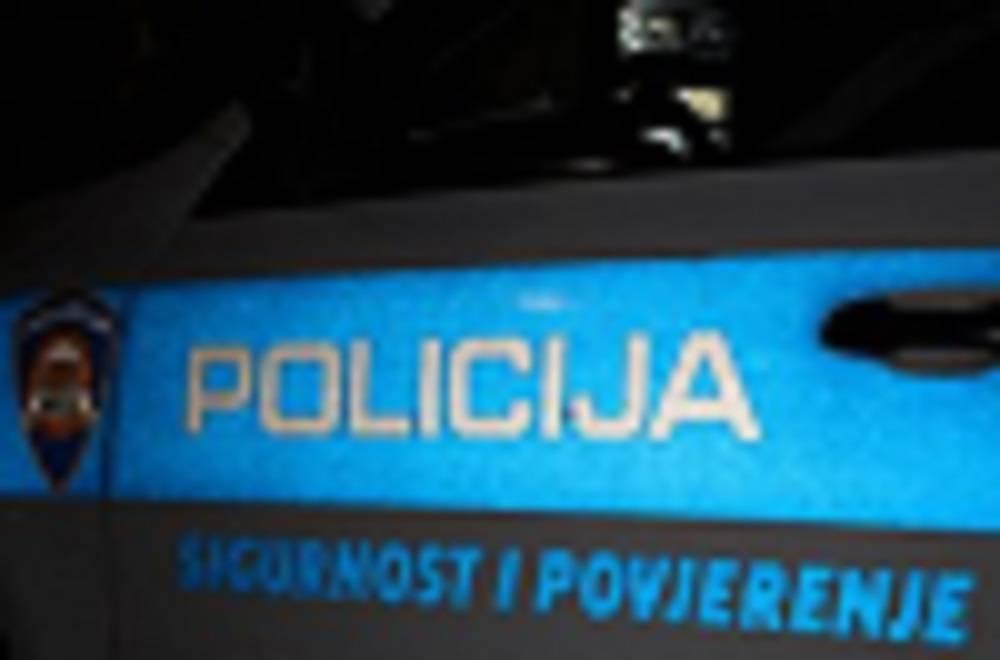 SLAVONSKI BROD - U prometnoj nesreći smrtno stradao motociklist (42)