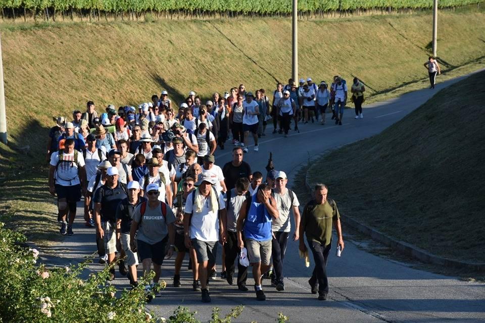 Hodočasnici pješaci krenuli u voćinsko svetište