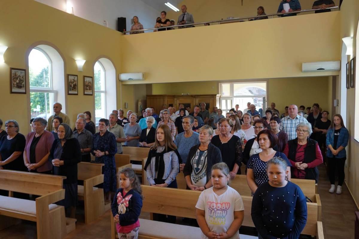 Biskup predvodio misu za poginule civile u Četekovcu, Čojlugu i Balincima