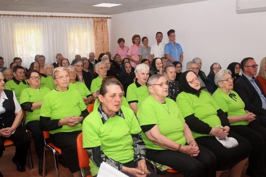 Recitacije, igre, pjesma i ples- korisnici Doma za starije i nemoćne Velika proslavili Međunarodni dan starijih