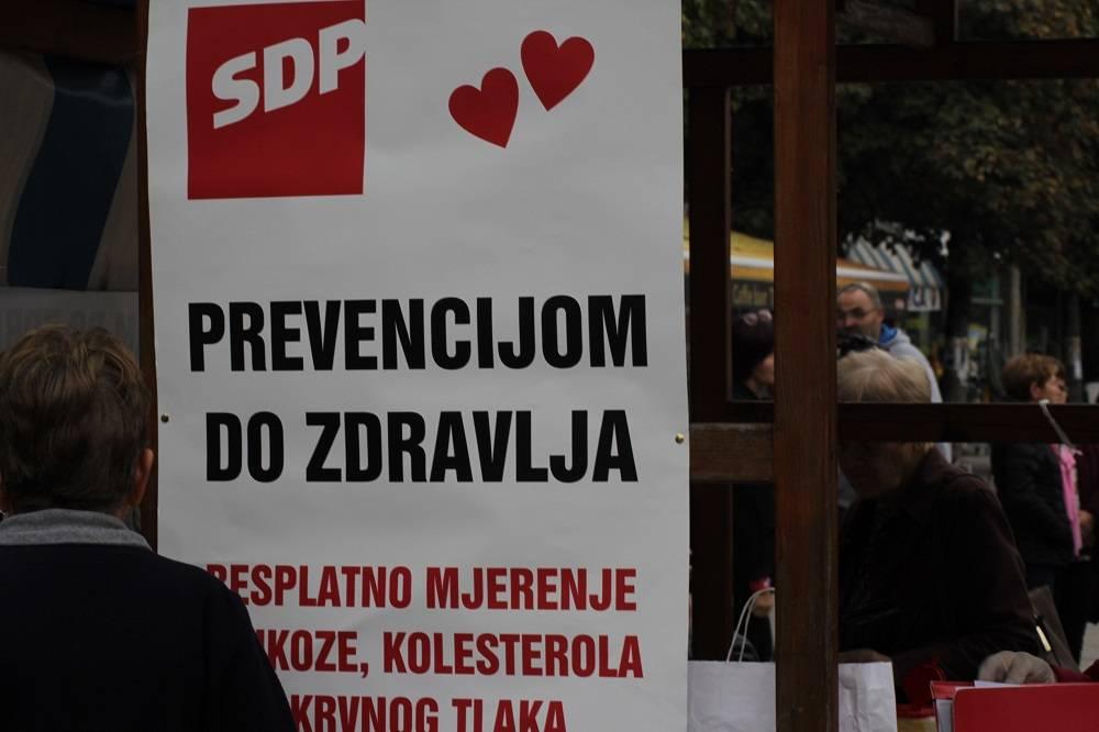 SDP BPŽ mjerio tlak i šećer na Gradskoj tržnici
