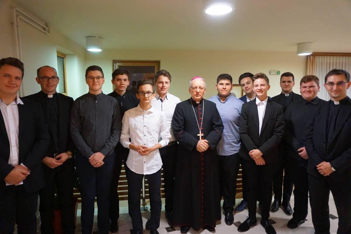 Požeški biskup Antun Škvorčević pohodio Kolegij u Požegi