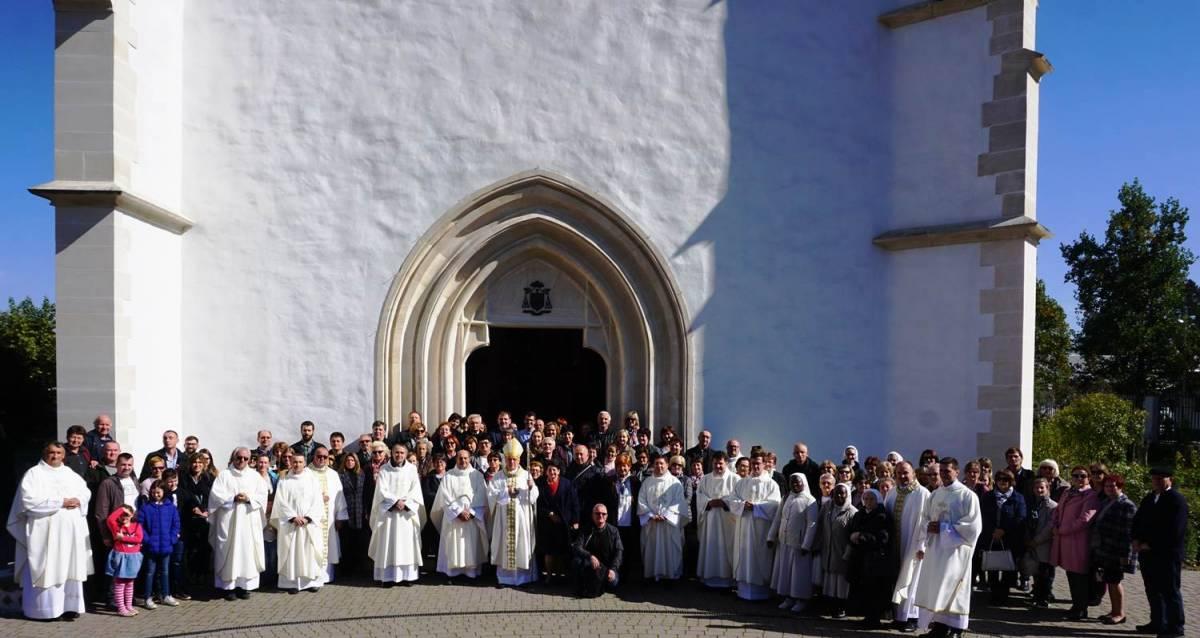 Hodočašće zdravstvenih djelatnika Požeške biskupije u Voćin