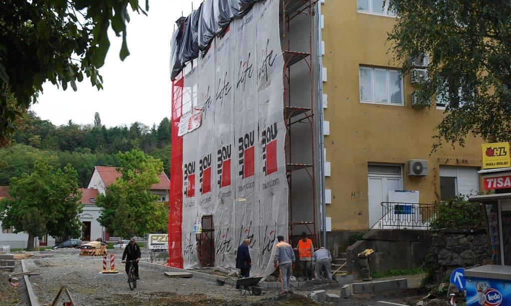 U tijeku radovi: ʺOpćinskojʺ zgradi u Pakracu novo pročelje