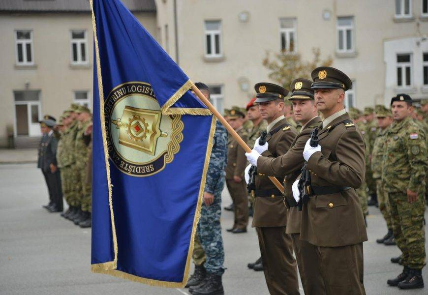 Obuku dragovoljnog vojnog osposobljavanja u vojarni u Požegi završilo je 18 kandidata za vojne specijaliste zrakoplovne tehničare