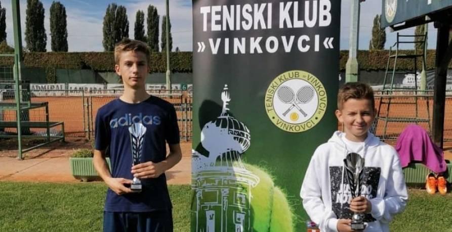 Tenisači Požege Ino Horvat i Marko Lukić uspješni na turnirima u Vinkovcima
