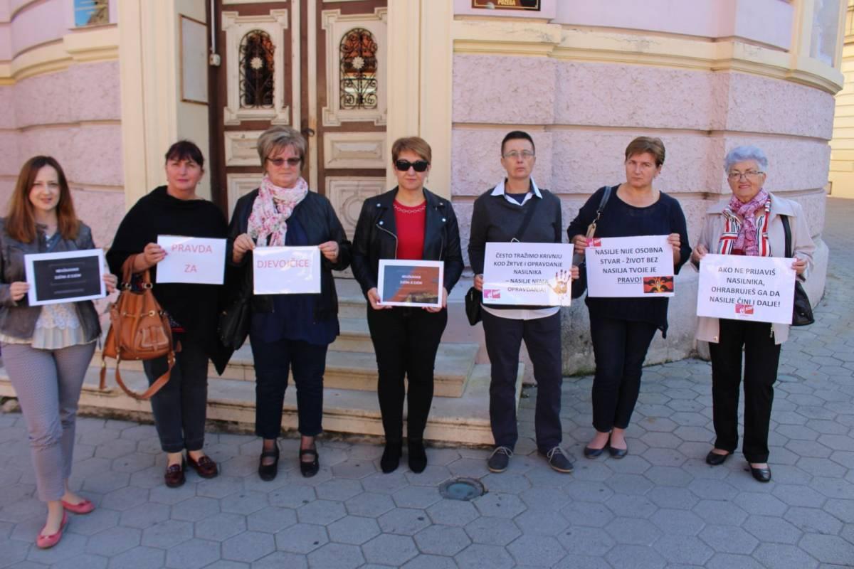 """Forum žena SDP-a Požega dao podršku žrtvama nasilja i prosvjedu """"Pravda za djevojčice"""""""