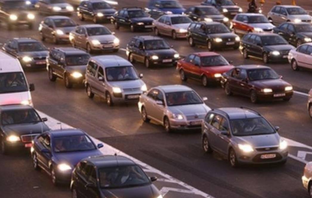 Od sutra obvezna vožnja s upaljenim svjetlima! Tko ne upali tri stotice policiji plati