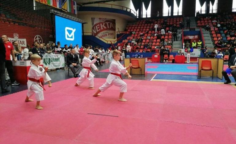 Mlađi učenici Karate kluba Nova Gradiška osvojili drugo mjesto na 7. GRAWE ENERGIJA karate cupu