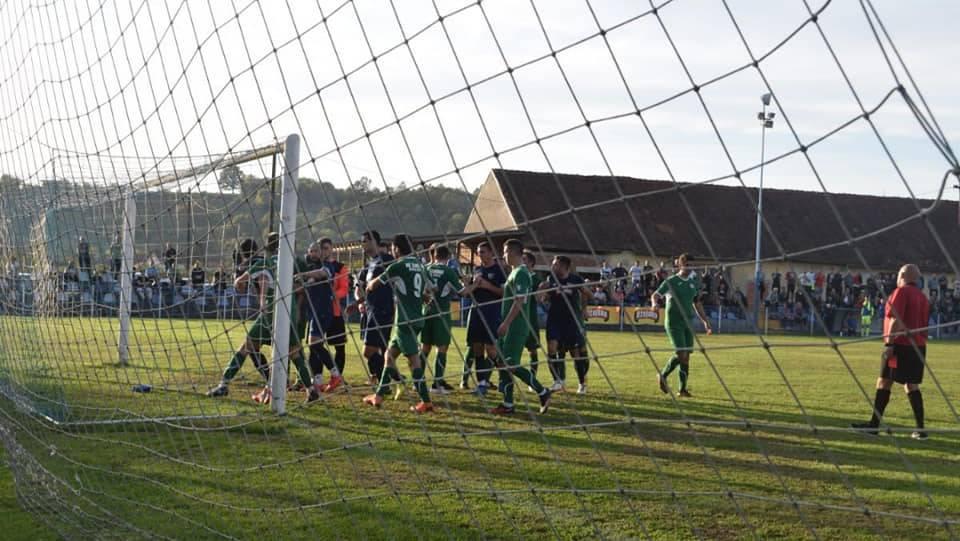 NOVA KAPELA: Nezadovoljstvo igrača rezultiralo nokautiranjem suca