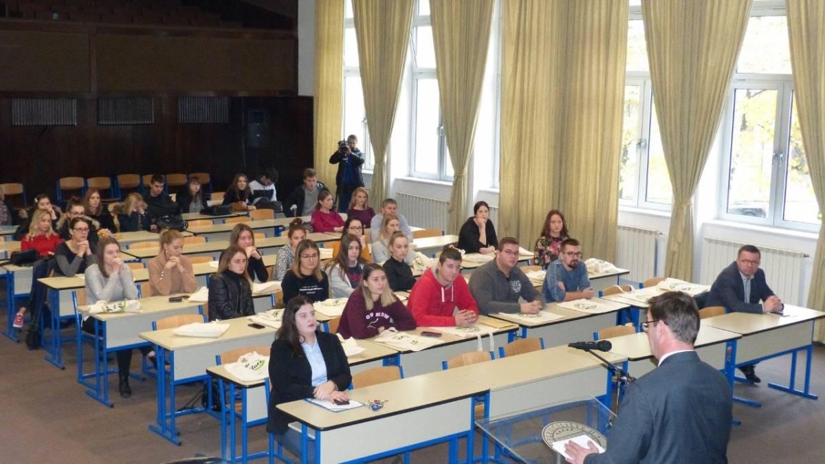 "Održana prva studentska konferencija ""Don't waste, do your best – pravo okoliša i pravo životinja"""