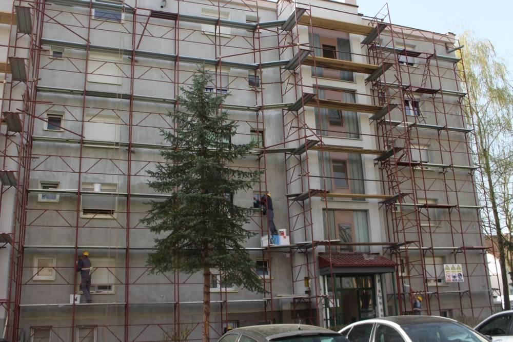 Obilazak radova na energetskoj obnovi  višestambenih zgrada u Babinom viru