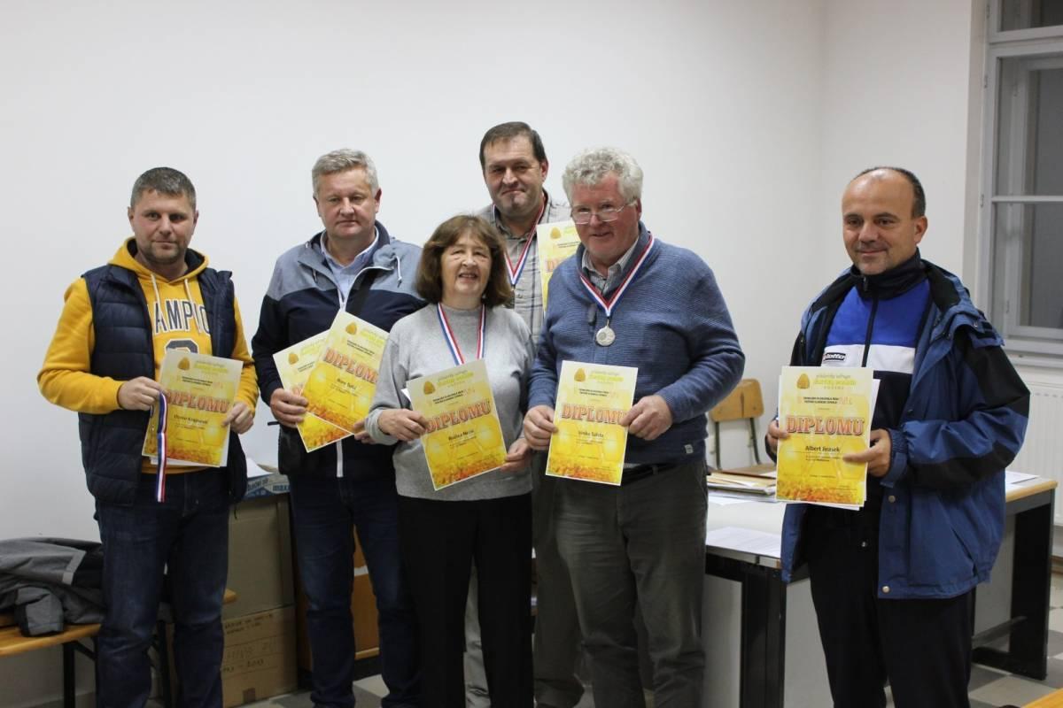 Na 10. Županijskom ocjenjivanju meda, srebrne i brončane medalje pripale pčelarima Lipika i Pakraca