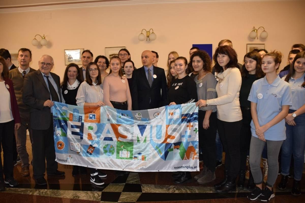 Sudionici Erasmus+ projekta TESLA na prijemu kod gradonačelnika Darka Puljašića