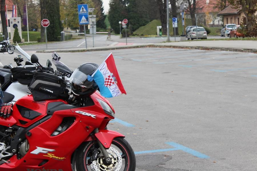 """12. Moto karavana """"Zajedno u ratu, zajedno u miru"""" posjetila Slavonski Brod"""