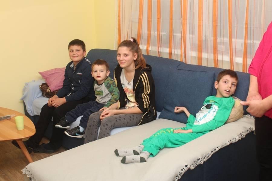 Sedmeročlana obitelj Korman, kojoj je početkom godine požar odnio sve, uživa u novoj kući