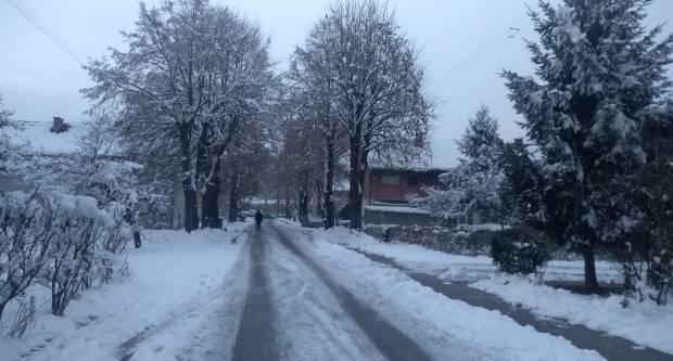 METEOROLOZI ZBOG NADOLAZEĆE LEDENE FRONTE IZDALI SPECIJALNO PRIOPĆENJE: Stiže nam prvi pravi snijeg, ponegdje će ga biti i više od 20 cm