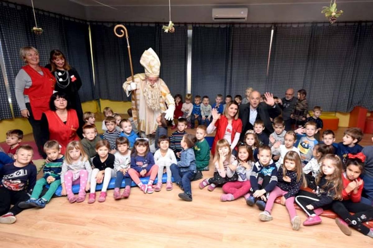 Posjet dječjim vrtićima, bolnici i kaznionici u prigodi sv. Nikole