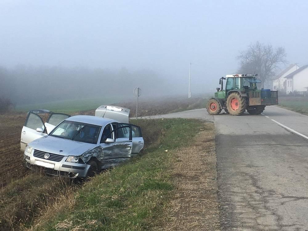 KRIVA MAGLA??! Sudar auta i traktora u Krivaju, ima ozlijeđenih