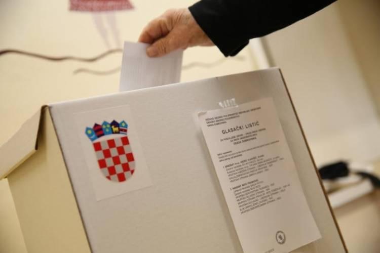 Brodsko-posavska županija je utvrda HDZ-a, za pretpostaviti je da će pobjedu kod nas odnijeti ʺdesniʺ kandidat