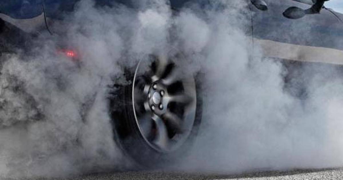 KRETANJE UZ ŠKRIPU GUMA: Po Zakonu o sigurnosti prometa to je kažnjivo ponašanje!