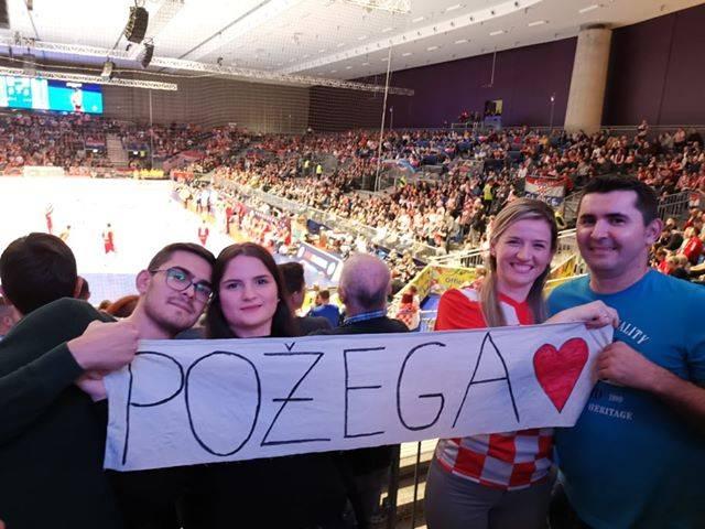 Požežani na rukometnoj utakmici između Hrvatske i Srbije u Grazu