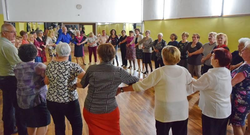 Grad Slavonski Brod organizirao je još jednu plesnu večer za umirovljenike