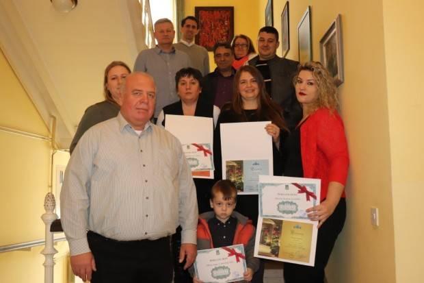 U Lipiku nagradu za najljepšu božićnu okućnicu dobila obitelj Kaurin