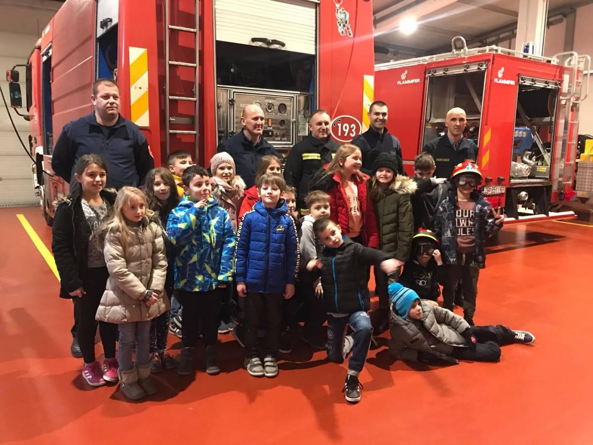 Osnovnoškolci iz Antuna Kanižlića posjetili Javnu vatrogasnu postrojbu Požega