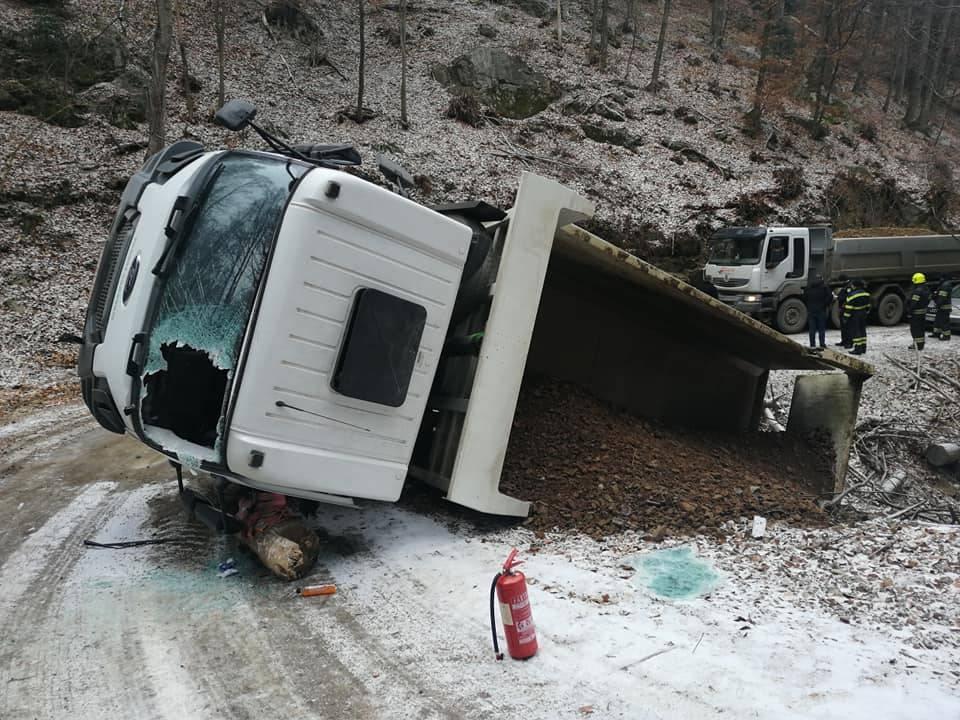 Jučer tri prometne nesreće, s dva mjesta događaja vozači pobjegli