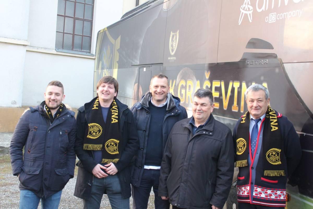 Predstavljen autobus HNK ʺGraševinaʺ iz Vetova te planovi kluba za budućnost