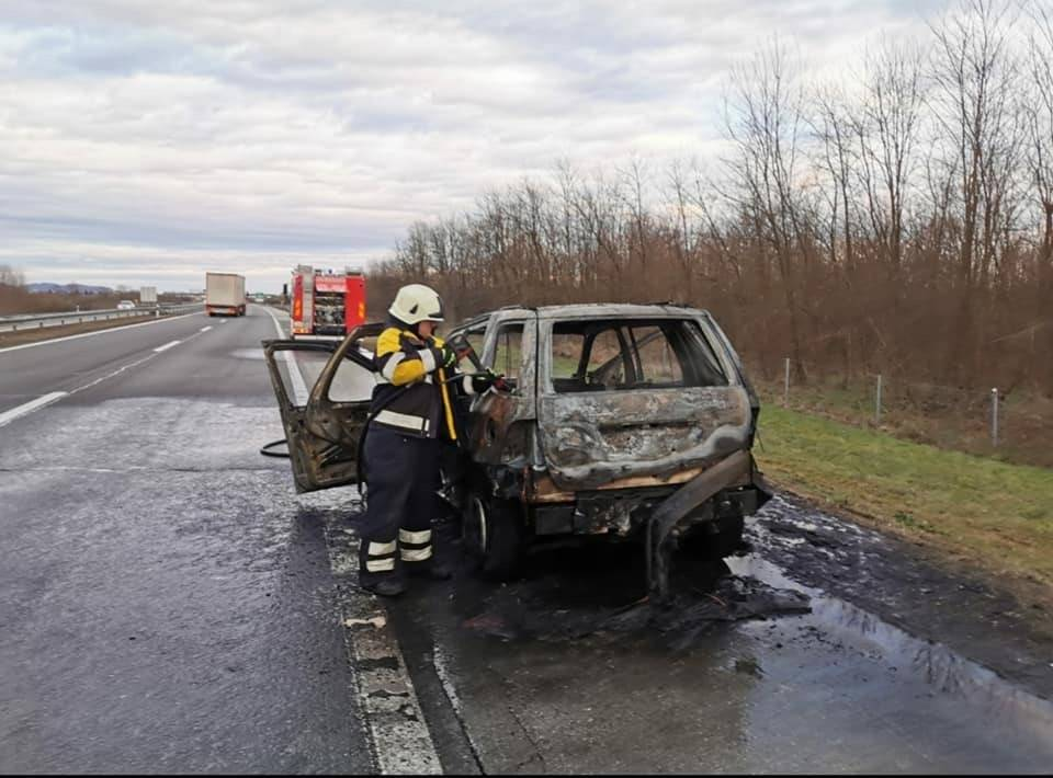 Na A3 izgorio automobil