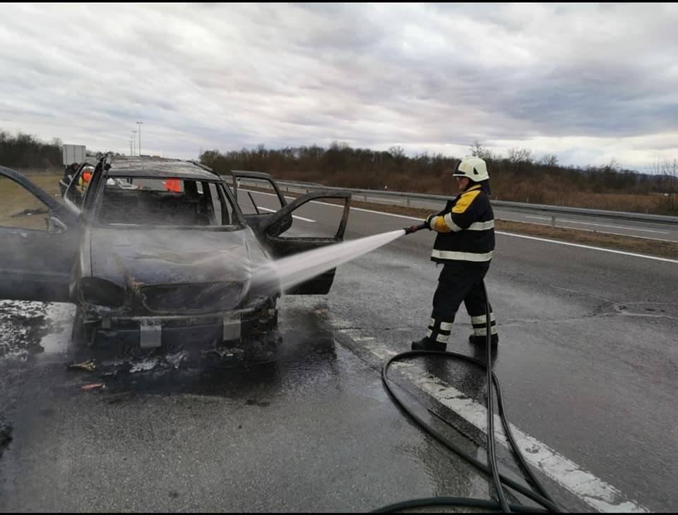 Do požara na automobilu kod Lužana došlo zbog kvara na električnim instalacijama