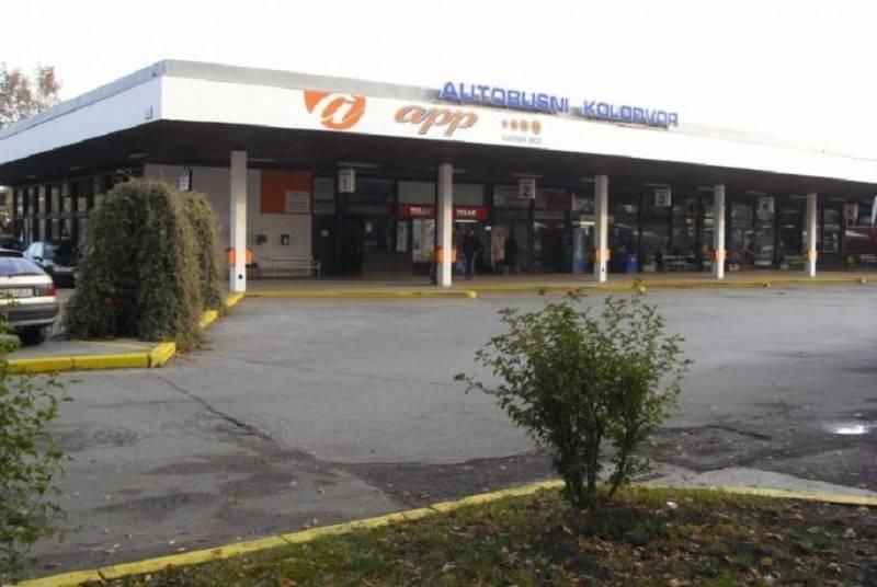 INCIDENT U SLAVONSKOM BRODU: Žena metlom htjela istući vozača autobusa